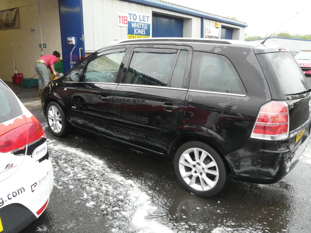 Black Zafira
